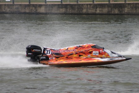 FORMULA 3 POWER SPEED BOAT