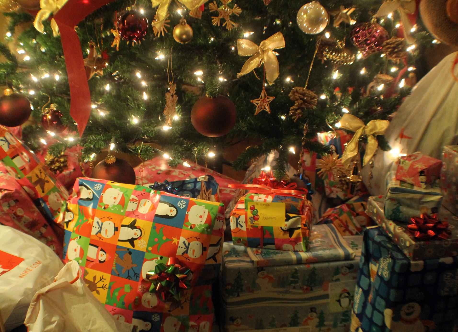 Weekly Image Of Life: On Christmas Day » Christmas Presents